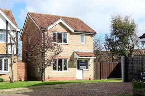3 bedroom detached house for sale - Cranbourne Close, Cleethorpes, DN35 0TU