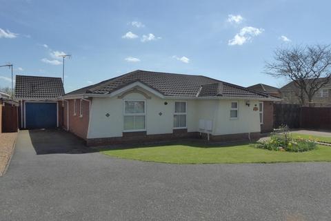 3 bedroom bungalow for sale - Rufford Avenue, Abington Vale, Northampton, NN3