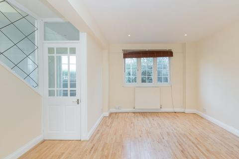 3 bedroom house to rent - Dingwall Road, Earlsfield, SW18