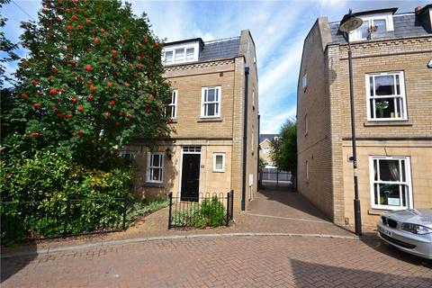 4 bedroom semi-detached house to rent - Fairsford Place, Cambridge, CB1