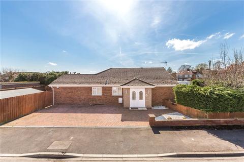 3 bedroom bungalow for sale - Delfield Gardens, Caddington, Luton