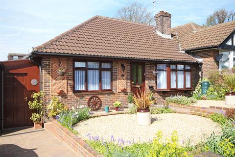 2 bedroom semi-detached bungalow for sale - Sunnydale Close, Patcham, Brighton