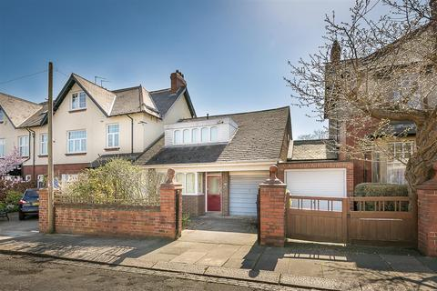 3 bedroom bungalow for sale - Northumberland Avenue, Gosforth, Newcastle upon Tyne