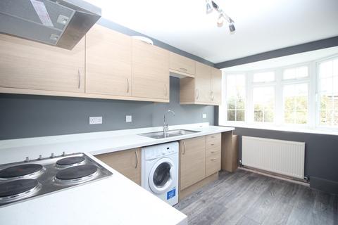 3 bedroom semi-detached house to rent - Crook Log Bexleyheath DA6