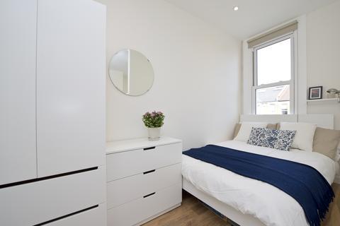 House share to rent - Bloemfontein Rd, Shepherds Bush, London W12