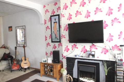 2 bedroom terraced house for sale - Huntingdon Street, Hull