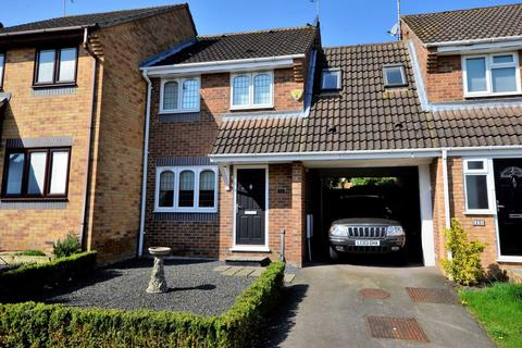 2 bedroom semi-detached house for sale - Skylark Close, Billericay