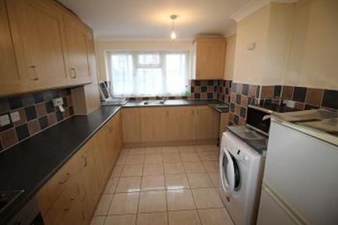 4 bedroom semi-detached house to rent - Westborough Road, Maidenhead