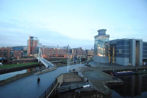 2 bedroom apartment to rent - Magellan House, Clarence Dock, Leeds, West Yorkshire, LS10 1JE