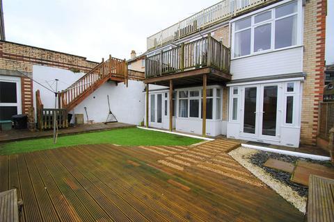 2 bedroom apartment for sale - Hillsborough Road, Ilfracombe
