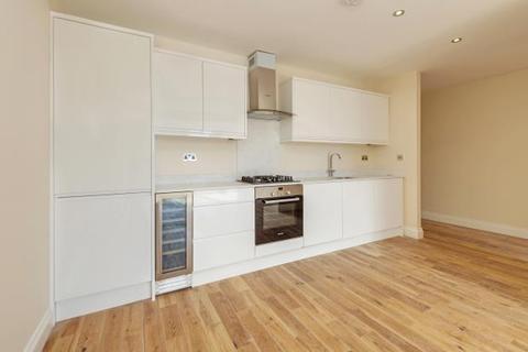 2 bedroom flat for sale - Cheverton Road, Whitehall Park, London, N19