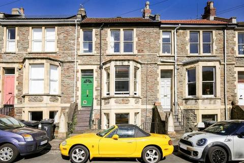 2 bedroom maisonette for sale - Cowper Road, Bristol