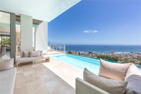 6 bedroom house  - 31-33 Head Road, Fresnaye, Cape Town, Western Cape