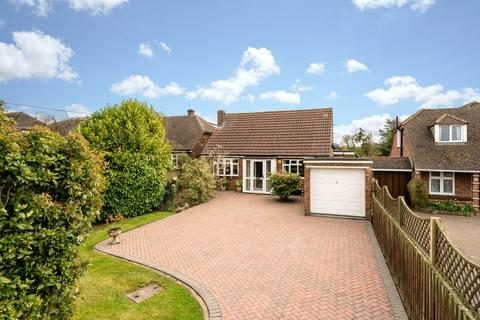 3 bedroom detached house for sale - Immaculate Chalet On A Large Plot