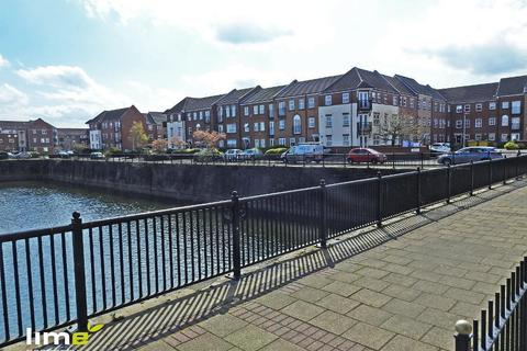 2 bedroom flat to rent - Axholme Court, Victoria Dock, Hull, HU9 1PN