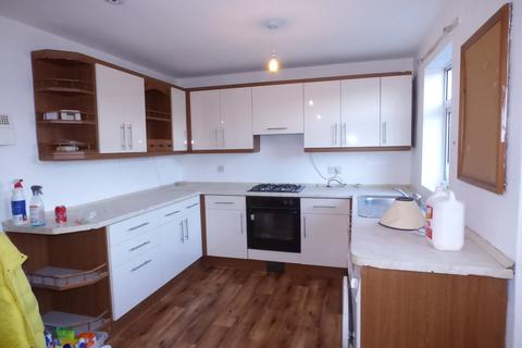 3 bedroom terraced house to rent - Northcote Drive, Beeston, LS11 6NH