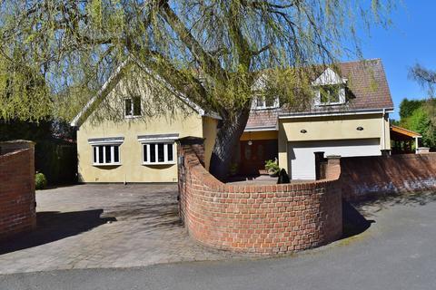 5 bedroom detached house for sale - Kingswood Drive, Darras Hall, Ponteland, Newcastle upon Tyne, NE20