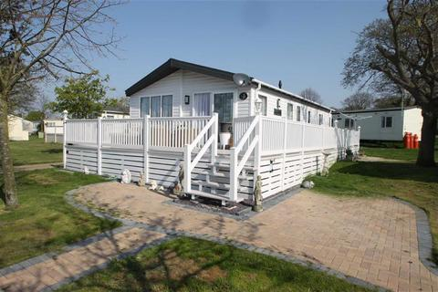 3 bedroom mobile home for sale - Yew Tree, Clacton-on-Sea