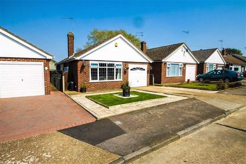 2 bedroom detached bungalow for sale - Cypress Close, Great Clacton