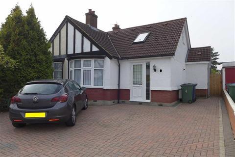 3 bedroom semi-detached bungalow for sale - Grasmere Gardens, Harrow Weald, Middlesex
