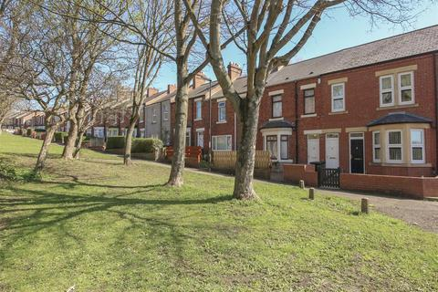 3 bedroom terraced house for sale - Tynevale Terrace, Lemington, Newcastle Upon Tyne