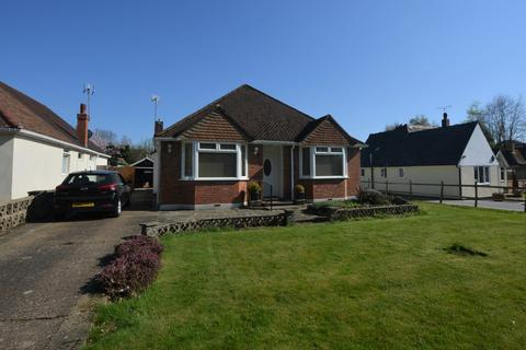 3 bedroom detached bungalow for sale - Sandyhurst Lane, Ashford