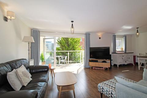 2 bedroom apartment for sale - Cardiff House, Century Wharf, Cardiff Bay