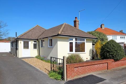 2 bedroom bungalow for sale - Riverside Lane, Tuckton, Bournemouth