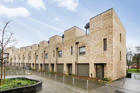 3 bedroom townhouse for sale - Orchid Mews, London