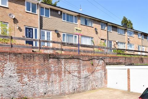 3 bedroom terraced house for sale - Princes Avenue, Walderslade, Kent