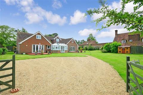 4 bedroom bungalow for sale - Teston Road, Offham, West Malling, Kent