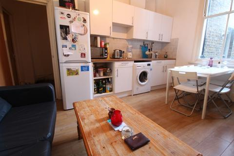 Flat share to rent - Glading Terrace, Stoke Newington, N16
