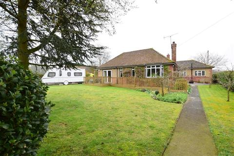 3 bedroom detached bungalow for sale - Wayborough Hill, Minster, Ramsgate, Kent