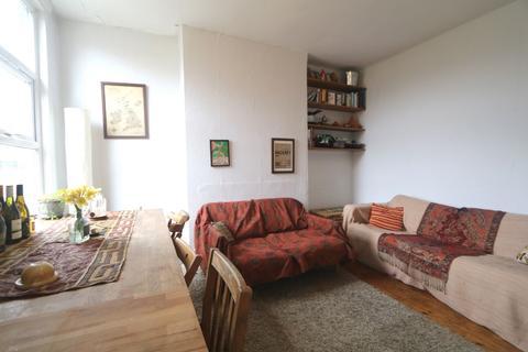3 bedroom apartment to rent - Brooke Road, Stoke Newington, N16
