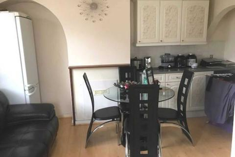 House share to rent - Tyle Croft Road, Norbury, SW16 4TD