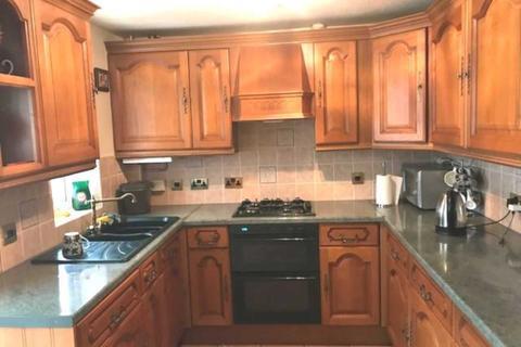 3 bedroom apartment for sale - Cullodon Close, London, SE16 3JH