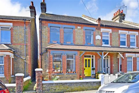 3 bedroom end of terrace house for sale - St. Georges Road, Broadstairs, Kent
