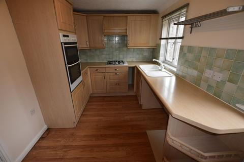 4 bedroom townhouse to rent - St. Georges Close, North Thamesmead, SE28 8QE