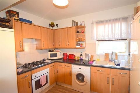 3 bedroom flat for sale - Walton Road, West Molesey, KT8 2HT