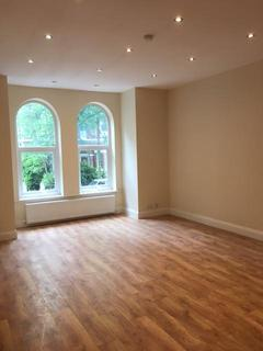 Studio to rent - 38 Osborne Rd, MANCHESTER M19