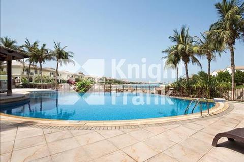 4 bedroom townhouse  - Canal Cove, Palm Jumeirah, Dubai, UAE