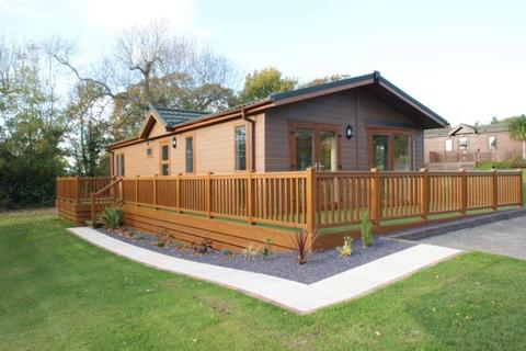 2 bedroom lodge for sale - Pennant Park Golf Club, Whitford, Holywell, Flintshire.  CH8 9ER
