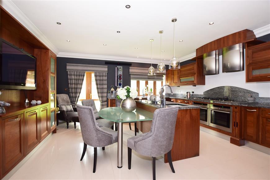Kitchen/breakfast Studio