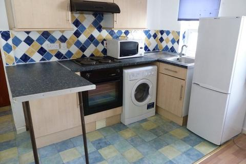 1 bedroom flat to rent - City Rd, Roath, ( 1 Bed ) F/F Flat