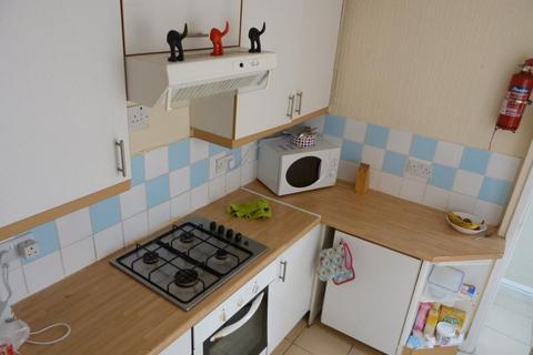 3 bedroom house to rent - Strathnairn Street, Roath ( 3 Beds )