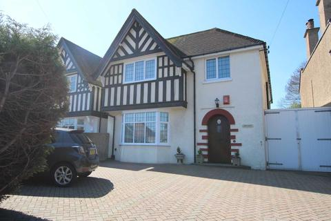 4 bedroom detached house for sale - Kings Drive, Eastbourne, BN21 2NX