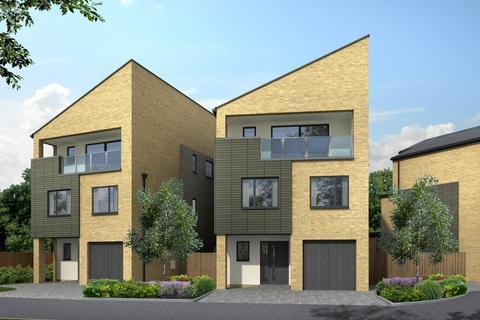 4 bedroom detached house for sale - Woking
