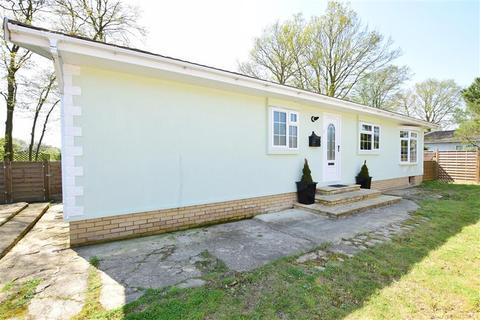 2 bedroom park home for sale - Shirkoak Park, Woodchurch, Ashford, Kent