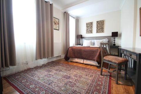 3 bedroom terraced house for sale - NUNTHORPE AVENUE, YORK, YO23 1PF