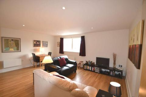 1 bedroom flat to rent - Capitol Square, Epsom, KT17 4NP